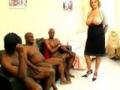 Femme bourgoise se fait baiser par 3 noirs