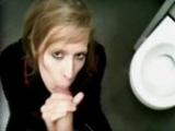 Ma banquiere me suce aux toilettes