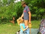 Paysan baise une jeune fermiere pucelle