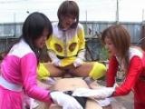 Trois salopes Asiatique abuse un mec