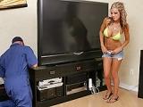 Reparateur du cable baise la cliente a domicile