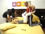 Trio violent