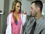 Bite dans le cul de la doctoresse