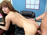Jeune étudiante se fait baiser la vagin par son prof