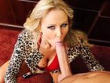 Je baise une mega cougar blonde de 40 ans