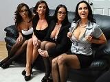 Entretiens d'embauche quatre filles baisées par le patron