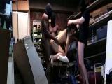 Femme de flic encul�e par des lascars dans sa cave